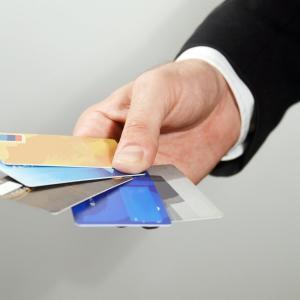 クレカという金銭感覚がヤバくなる魔法のカード