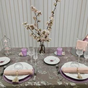 4月のテーブルコーディネートレッスン「エレガントなイメージのテーブルコーディネート」