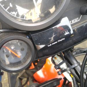 GPZ900R:電圧計取り替え