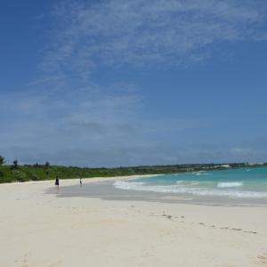 宮古島(伊良部島・下地島)でオススメのビーチを探したらどこに行っても白い砂と青い海で感動。