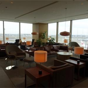 羽田空港国際線ターミナル キャセイパシフィックラウンジで朝ごはん。ヌードルバーやフレンチトーストが美味しい