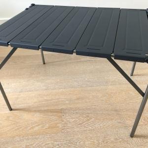 コンパクトなアウトドアテーブル