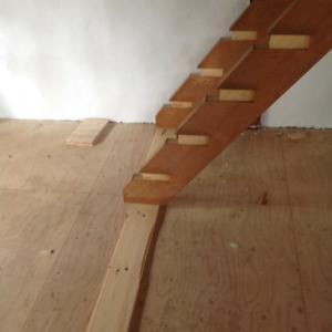 古民家階段の移設、、、