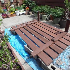 5/8 木製の塀とウッドデッキの塗り直し