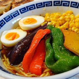 「夏野菜カレーラーメン」と「うちの餃子」で家中華