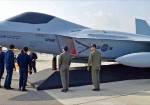 【韓国】次世代韓国型戦闘機(KF-X)の実物大模型を初公開 最高速度はマッハ1.81、F-35Aに比べて運営費用は半分ほどで、機動能力が優秀