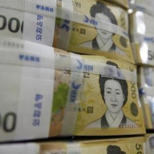 【韓国】文大統領任期最後の年である2022年、韓国の政府債務は大変なことに? ネチズン「先進国に比べると非常に小さい。つまり韓国は世界で一番、財政が健全な国だ」