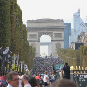ツール・ド・フランスは公式に延期へ。7月中旬までの開催はない