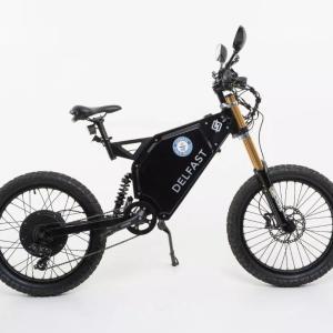 オートバイを越えるe-bike Delfast Top 3.0  走行距離は320km