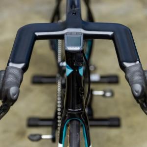 UCIは革新的な統合ハンドルSpeeco Aero Breakaway Barの使用を禁止 朝に承認していたのに何故?