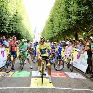 エガン・ベルナルがクラシカ・サンセバスチャンでレースに復帰