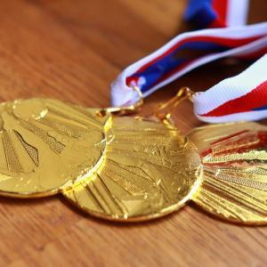 リチャル・カラパスとプリモッシュ・ログリッチの金メダルバイクはキンキラキンになる?