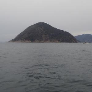 雨が降り出すまでにタチウオを釣ろうと思って沖家室島沖まで行ってみました。結果は・・・