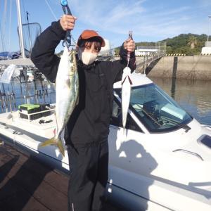 今日は、広島のKさんとその友人2人と4人で釣行しました。結果は渋かったです。(;´д`)トホホ