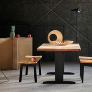 天然木杉無垢材ナチュラル感あふれるダイニングテーブル チェアー・ベンチ・カウチソファーのシリーズ商品有りのご紹介