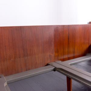 ワックスだけでも、木の家具は美しく蘇ります。