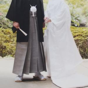結婚式の写真を加工した女