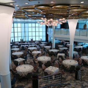 2019セレブリティ・ミレニアムおひとり様乗船記(7):メインダイニング「コスモポリタン」での夕食