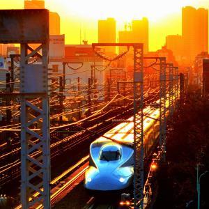 夕陽をバックに【東海道新幹線】光景