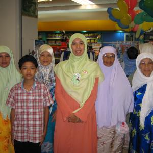 マレーシアの娘の学校からの連絡でいそいで『マレーシアの伝統服』を作りにいった話①