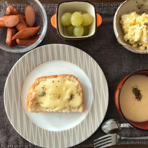 7月22日は『SARAWAK DAY(サラワクデイ)』だった。久々に家族そろって朝食・昼食