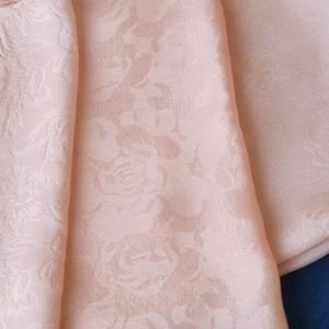 絹のスカーフにアイロン掛け