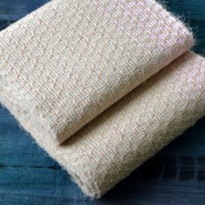 ヤマザクラ染めケナフの吉野織り半幅帯