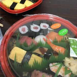 台風だから引きこもり寿司と、歓送迎会。