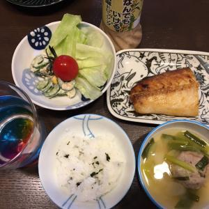 ボーヤが炊いたご飯と炒り豆腐。