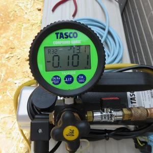 千葉県:船橋市三山にて、お掃除エアコン屋外排出タイプ取付