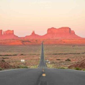 夕日と朝日の絶景を楽しめるモニュメントバレー@アメリカレンタカー観光