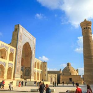 お土産がかわいい!ブハラの街歩きでウズベキスタン風イスラム建築めぐり!