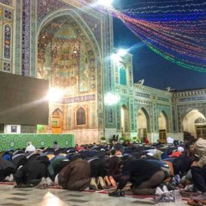 【マシュハド】イランで一番の聖地、イマームレザー廟で礼拝を見学!