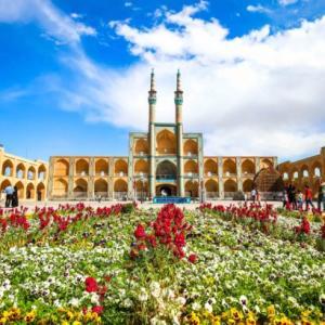 ヤスドの観光名所めぐり!絶景ライトアップと最悪のイスラム討論会