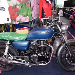 GB350(ブルー)。