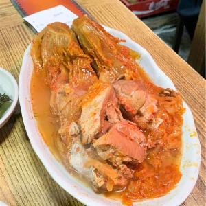 韓国・ソウルで絶品キムチチムを食べるなら、西大門のハノッチッがおすすめです。