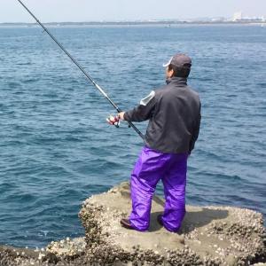 釣り・アウトドアにおすすめのレインコート4種類 選び方 釣りの雨対策も紹介