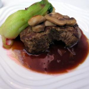 ベルギー~観光とグルメの旅39~豪華な機内食メインディッシュ