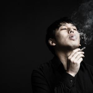 パチンコ店の禁煙化はいつから?加熱式タバコ(アイコス)や電子タバコなら吸ってもいいの?ルールと罰則を紹介。売上にも大きな影響が…【健康増進法改正】