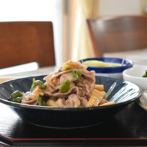 【写真で見る簡単レシピ】青椒肉絲と小鉢3つで夕ごはん