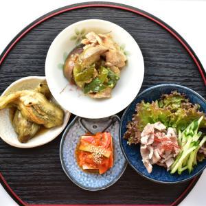 【写真で見る簡単レシピ】丸ナスの味噌炒めと小鉢3つで夕ごはん