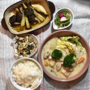 【写真で見る三行レシピ】クリームシチューとアヒージョの夕ごはん