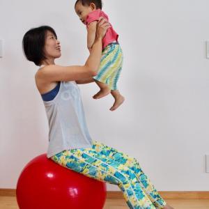 バランスボールで体幹を鍛える!!バランスボールインストラクターMayumiちゃんを紹介^^