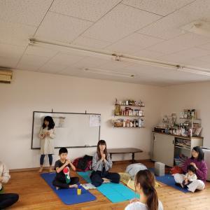 第4回目!ボディワーク×ヨガ&陰陽五行×食のこと^^今日は体を思いっきり伸ばして、腎を整える!