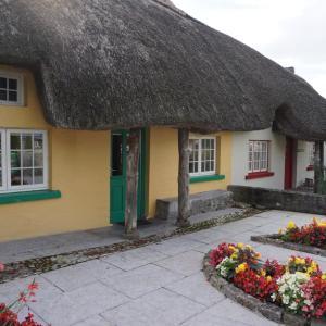 アイルランドで1番かわいい村と、ハリーポッターの撮影 崖!!