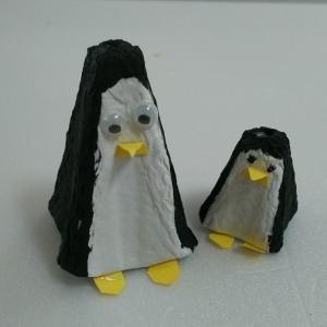 手作りおもちゃ☆卵パックで作る かわいいペンギン☆その1