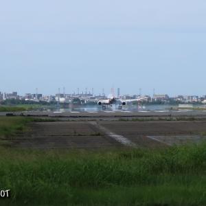 チャリ散歩で福岡空港へ