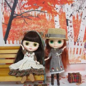 紅葉と秋のワンピース**レッデリとポージー