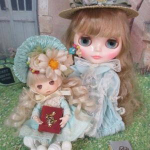爽やかな水色のドレス**クリアリィ・クレアとハッピーハーバー