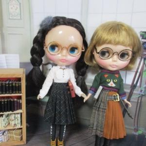 ノスタルとハーバー姉妹のメガネコーデ♪